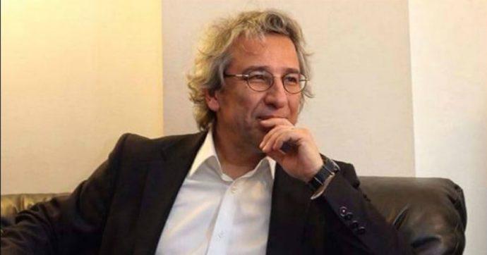 Turchia, 27 anni di prigione a ex caporedattore di Cumhuriyet, Can Dündar: svelò i traffici di armi dall'intelligence di Ankara ai jihadisti