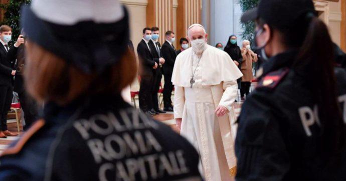Papa Francesco non celebrerà la messa di domenica a causa di un nuovo attacco di sciatalgia. Il pontefice reciterà l'Angelus
