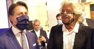 """Vaccini Covid, Beppe Grillo: """"Li voglio fare tutti in un'unica siringata"""". Sala: """"Chi ha responsabilità politica dica che si vaccinerà"""""""