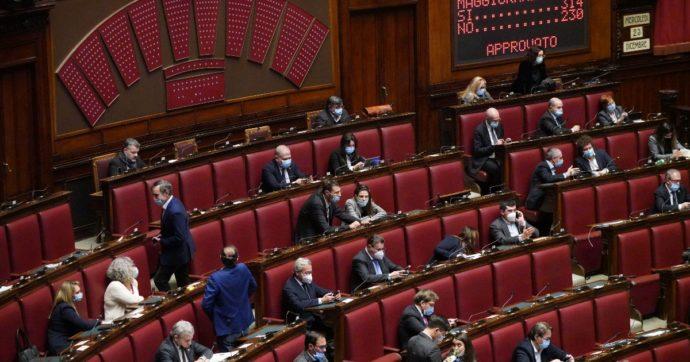 Sì della Camera alla conversione in legge del decreto Natale: testo approvato con 180 voti a favore e 118 contrari. Ora passa al Senato