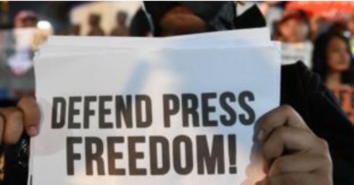 """Nel 2020 sono stati uccisi 50 giornalisti in tutto il mondo. Il report Rsf: """"Con il Covid quadruplicati gli arresti dei cronisti"""""""
