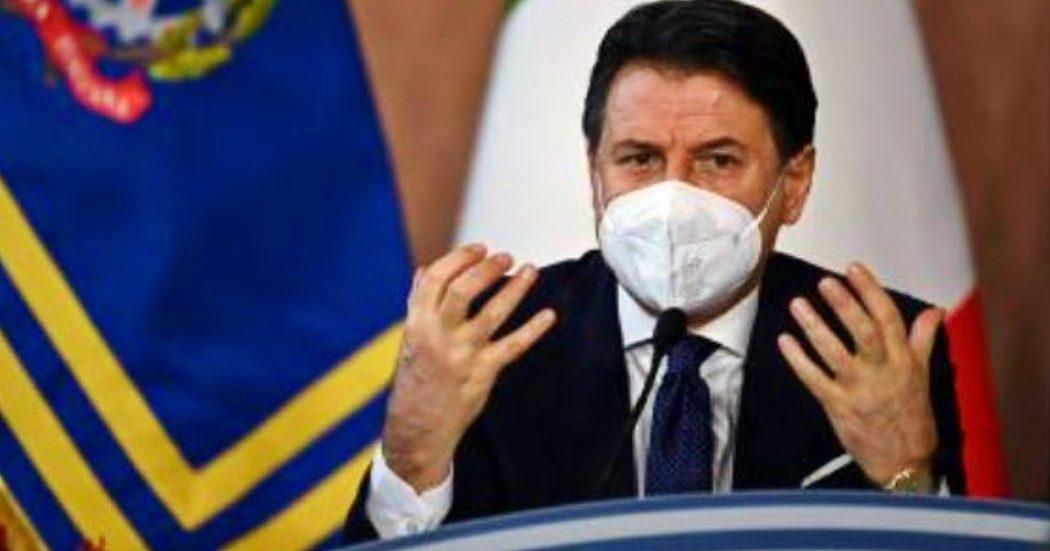 """Conte: """"Sintesi urgente sul Recovery, governo non può galleggiare"""". Renzi? """"Non sfido nessuno. Se manca fiducia andrò in Aula"""". E sulla delega ai Servizi: """"È prerogativa premier"""". Vaccino: """"Escludo obbligo"""""""