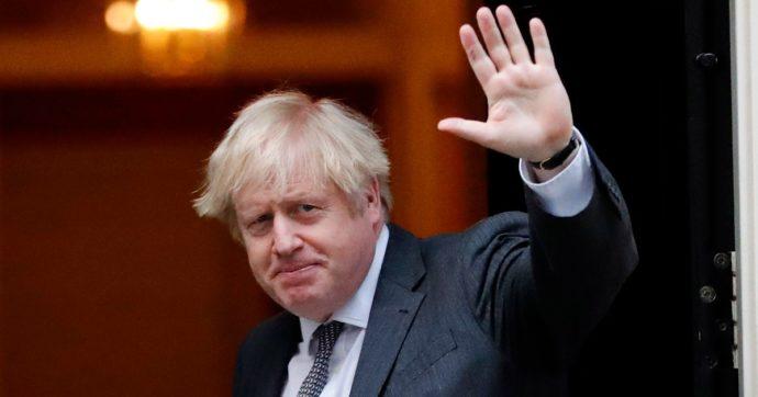 """Coronavirus, Johnson: """"In Gran Bretagna la situazione è grave. Ma abbiamo vaccinato già 1 milione di persone"""""""