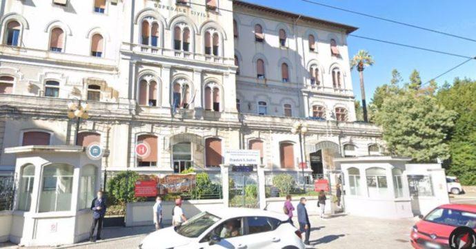 Liguria, l'ospedale Covid-free di La Spezia? A mezzo servizio per troppi contagi tra medici, infermieri e personale sanitario