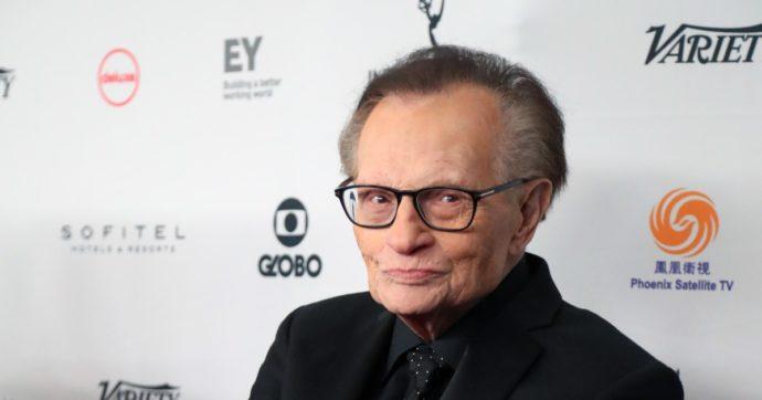 Usa, Larry King ricoverato per Covid a Los Angeles: lo storico conduttore della Cnn ha 87 anni