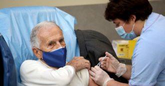 """Vaccino Covid, il professor Garattini: """"Non somministrarlo ai bambini sani. Prioritario vaccinare i 3 milioni di over 60 che mancano"""""""