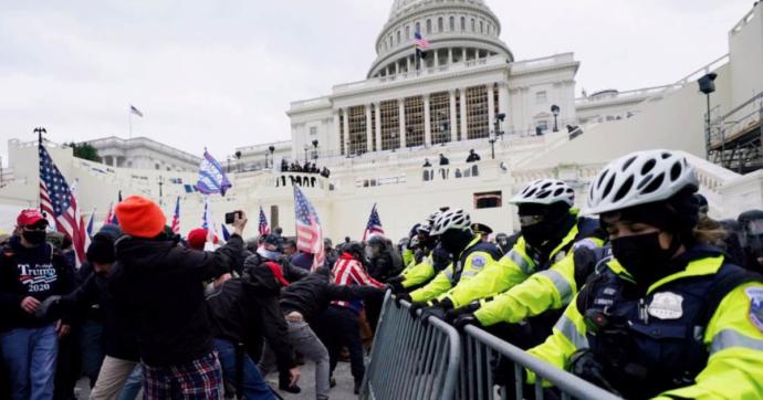 """Assalto a Capitol Hill, gli ex presidenti Obama, Bush e Clinton sconvolti per le violenze: """"Come la Repubblica delle banane"""""""