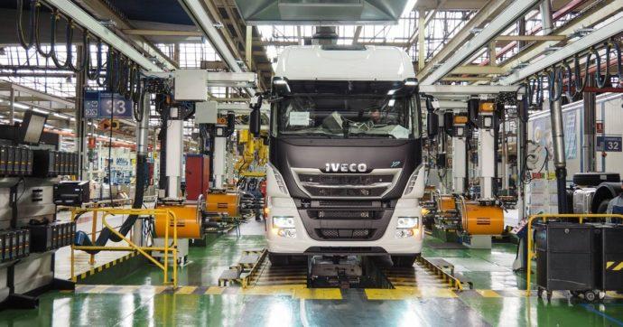 I camion degli Agnelli in viaggio verso la Cina. Iveco potrebbe essere ceduta a China First Automobiles Works