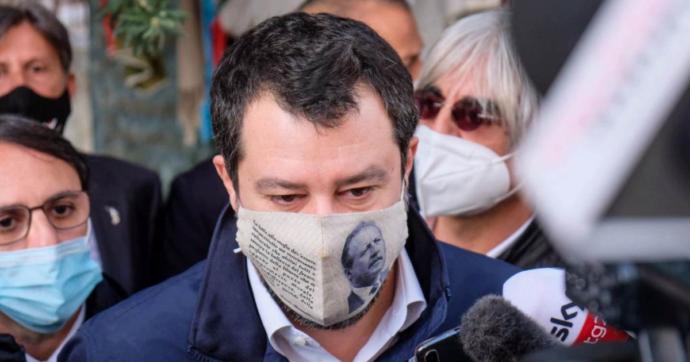 """Palermo, Salvini in via D'Amelio indossa una mascherina col volto di Borsellino. Il fratello del giudice: """"Sciacallo, fa solo propaganda"""""""