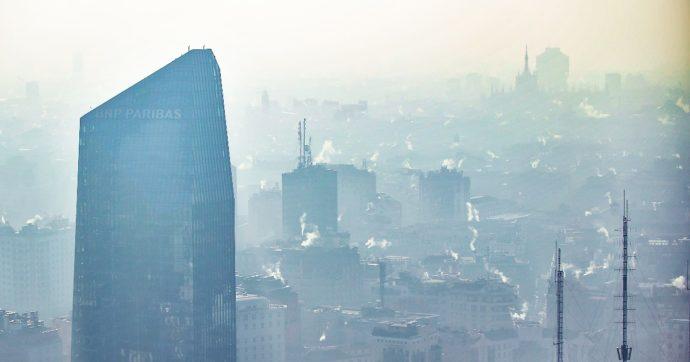"""Covid, lo studio italiano: """"Sono le polveri sottili e non l'inquinamento in generale a influire su contagi e mortalità"""""""