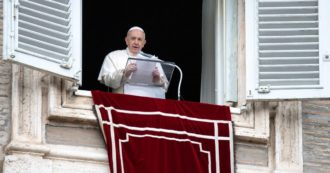 """L'appello di Papa Francesco per il vaccino: """"È etico, io lo farò. In gioco la salute, ma anche la vita tua e degli altri. Inspiegabile il negazionismo suicida"""""""