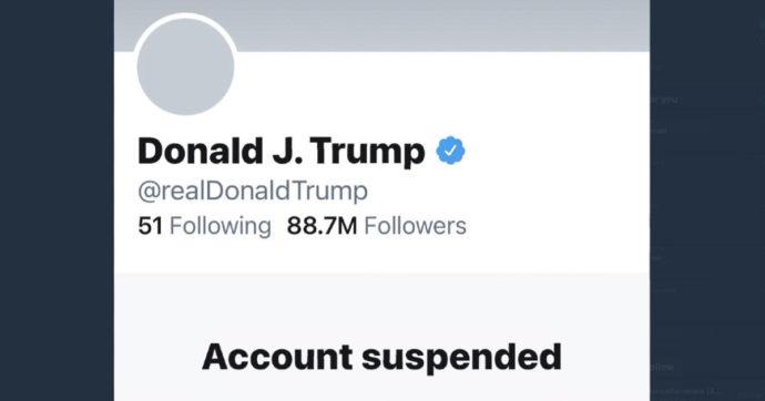 """Twitter blocca in modo permanente l'account di Donald Trump. Lui replica: """"Valutiamo di usare una nostra piattaforma"""""""