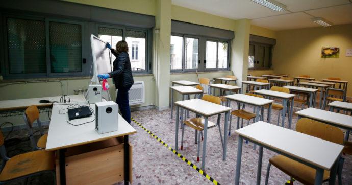 Campania, sì a rientro a scuola per studenti delle superiori: Tar accoglie ricorso genitori contro l'ordinanza di De Luca