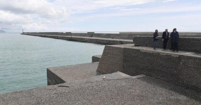 La transizione ecologica? Mille nuove dighe, in un paese che spreca il 41% dell'acqua