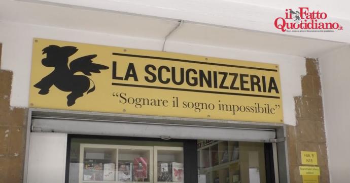 """Napoli, la casa editrice di Scampia pubblicherà un libro inedito di Stephen King sulle armi da fuoco. """"Ora porteremo l'autore nel quartiere"""""""