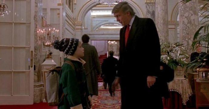 """""""Cancellate Donald Trump da 'Mamma ho perso l'Aereo 2′"""": ma il tycoon appare anche in un altro film (di Woody Allen)"""