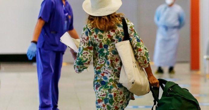 """Turisti alle Maldive e in altre mete extra Ue senza controlli. I tour operator: """"Ci siano regole uniformi con corridoi Covid-free"""""""
