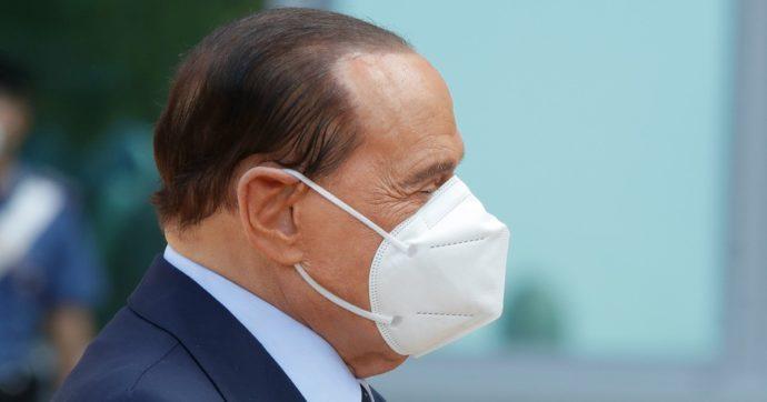 """Ruby ter, il processo a Berlusconi rinviato per la settima volta. I legali ottengono il legittimo impedimento: """"Convalescenza di 2-3 mesi"""""""