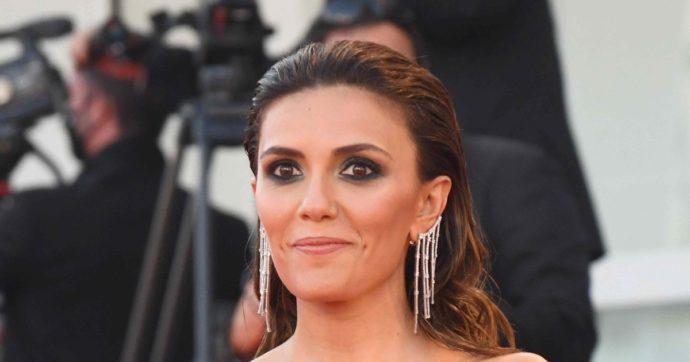 """Sanremo 2021, Serena Rossi a FqMagazine: """"Il Festival? Lo farei da conduttrice, ma…"""""""