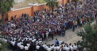 هزاران مهاجر به ایالات متحده ، کاروانی که هندوراس را ترک کرد ، توسط پلیس گواتمالا با باتوم و گاز اشک آور رد شد (ویدئو)