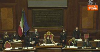 """Crisi di governo, caos in Senato sul voto di Ciampolillo. La presidente Casellati: """"Votazione chiusa"""". Poi chiede la """"moviola"""""""
