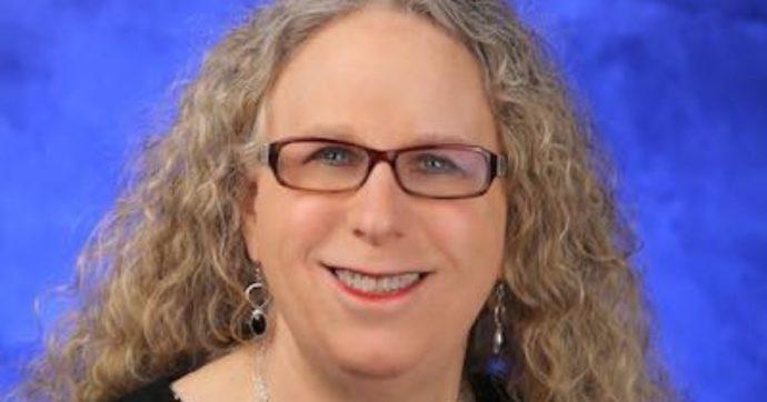 "Rachel Levine, Biden nomina pediatra transgender sottosegretaria alla Sanità. ""Fbi teme infiltrati QAnon per Inauguration Day"""