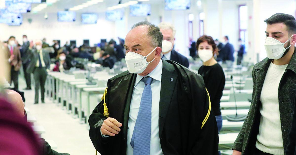 Maxi-processo a Catanzaro, la strategia dei boss per allungare i tempi