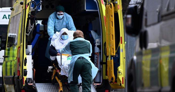 Variante Delta, in Gran Bretagna secondo giorno con oltre 16mila contagi. Focolai in quattro ospedali in Finlandia