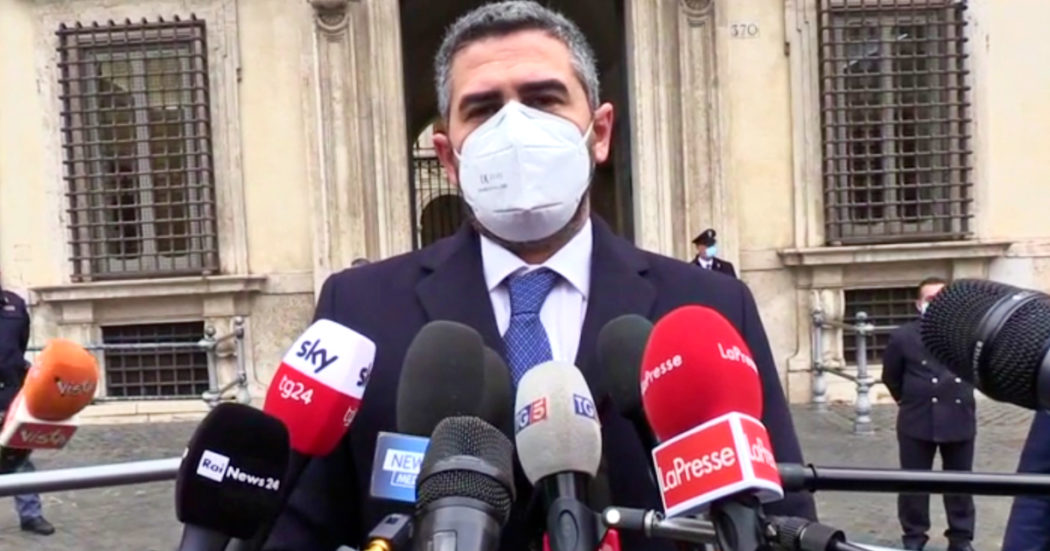 """Governo, Fraccaro: """"Non possiamo perdere tempo, dobbiamo spendere bene e presto i soldi del Recovery"""""""
