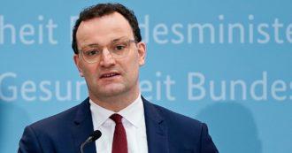 Vaccini, il ministro tedesco Spahn elogia la strategia italiana: