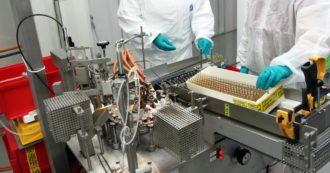 """Ritardi anche per il vaccino AstraZeneca-Oxford: """"Problemi di produzione. Consegne ridotte del 60% nel primo trimestre"""
