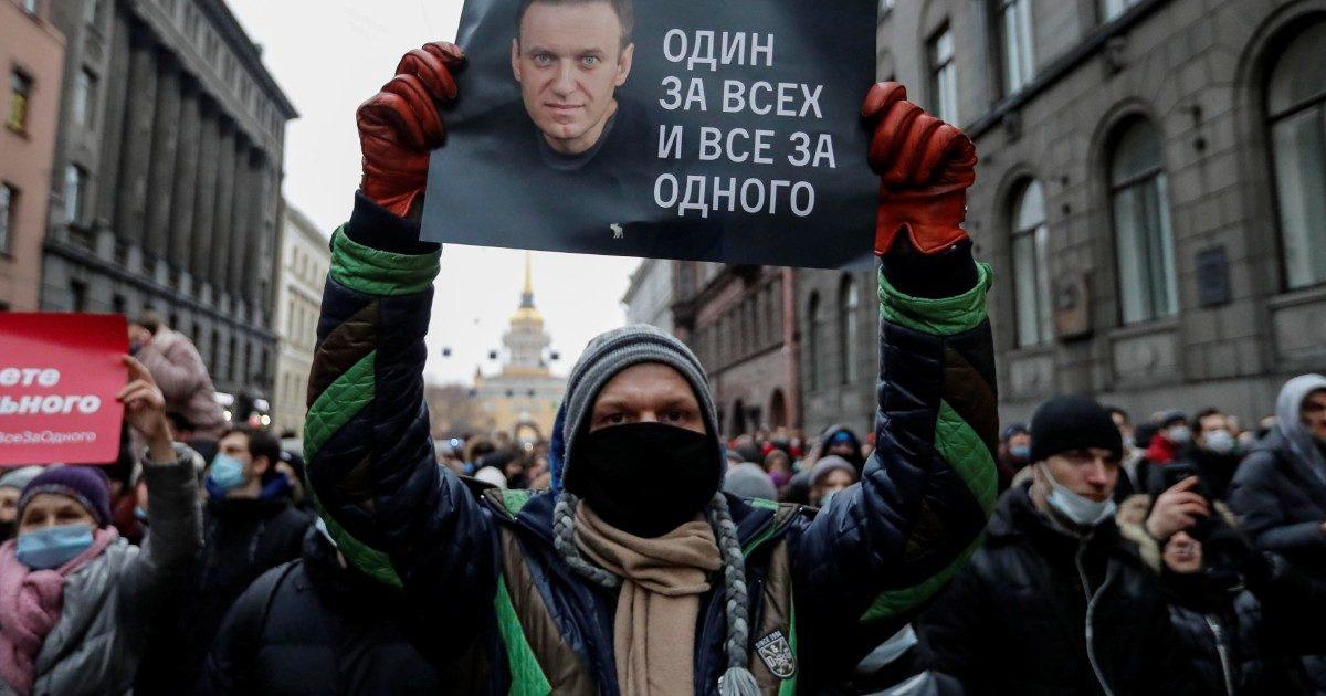 Il popolo di Navalny sfida zar Putin