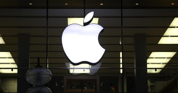 Comprereste un'auto con il marchio Apple bene in vista?