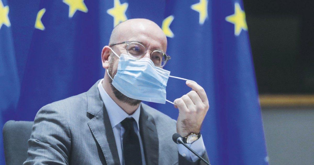"""Vaccini, l'Europa ora segue l'Italia: """"Facciamo causa su tagli e ritardi"""""""