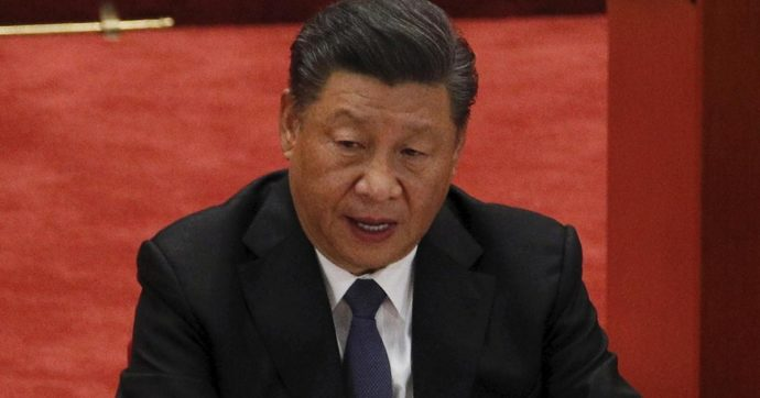 """Davos, Xi Jinping rivolto agli Usa: """"Basta isolazionismi arroganti. Via le barriere commerciali"""""""
