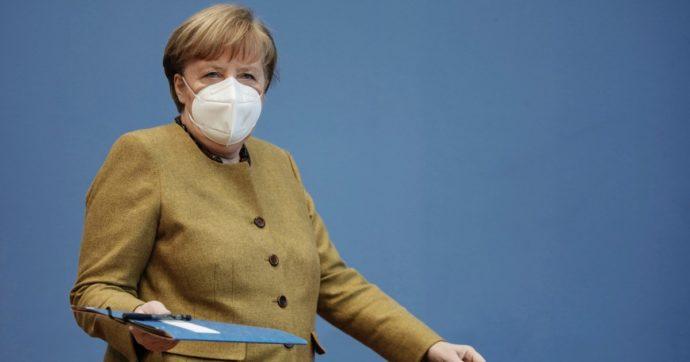 """World Economic Forum, Macron: """"Questo capitalismo non funziona più"""". Merkel: """"Poca trasparenza su origine virus"""""""