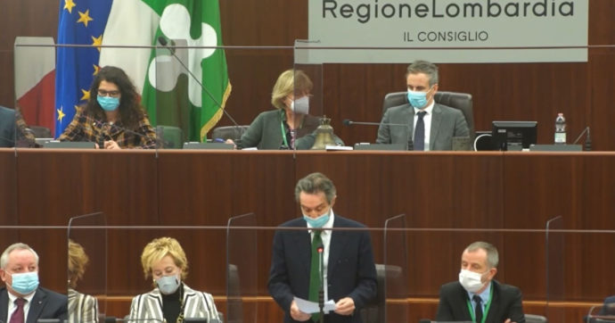 """Lombardia rossa per errore, Fontana riferisce in Consiglio. E insiste: """"Nostri numeri sempre corretti"""". Ecco i buchi nella sua ricostruzione"""