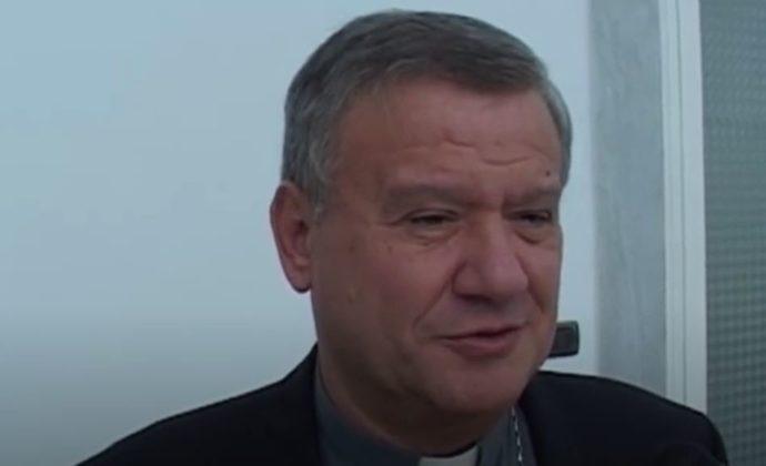 Terra dei fuochi, il nuovo ruolo del vescovo Antonio Di Donna apre alla speranza