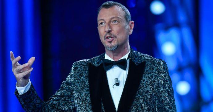"""Sanremo 2021, Amadeus: """"Colpito dalla città deserta, l'Ariston è un fortino. Lacrime? Se verranno non le tratterrò"""". E annuncia due ospiti"""
