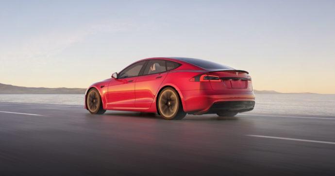 Tesla Model 3, è l'inizio della fine della mia Vespa blu