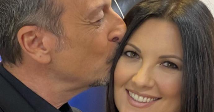 """Sanremo 2021, Amadeus spiazza tutti su Giovanna Civitillo: """"Ci si scandalizza molto della moglie ma non dell'amante"""""""