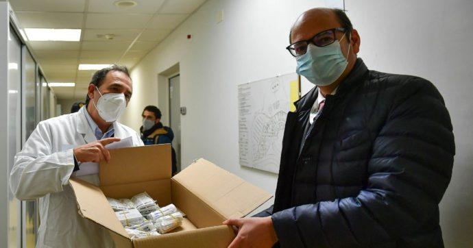 """Vaccino Covid, la denuncia: """"Al San Gerardo Monza dosi a chi non ne ha diritto"""". Il direttore generale: """"I controlli ci sono"""""""