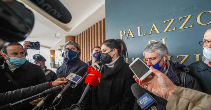 Appendino condannata, appello di oltre mille sindaci per rivedere le norme: tra i firmatari Sala, Raggi, De Magistris, Brugnaro, Decaro