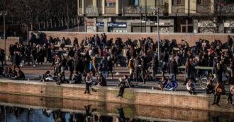 """Da Milano a Roma folla per lo shopping alla vigilia della zona gialla. Miozzo (Cts): """"La curva può schizzare, non sia ritorno alla normalità"""""""
