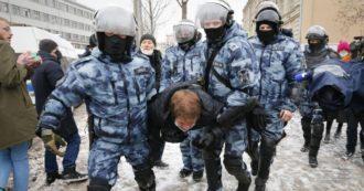 """Russia, oltre 5mila fermi durante le proteste pro-Navalny: in manette anche la moglie. Poi viene rilasciata. La piazza grida: """"Putin ladro"""""""