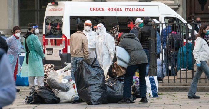 Via i senzatetto dal centro di Torino: sporcano e puzzano