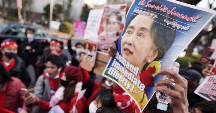 Il regime militare in Myanmar arresta anche attori e cantanti scesi in piazza per protestare