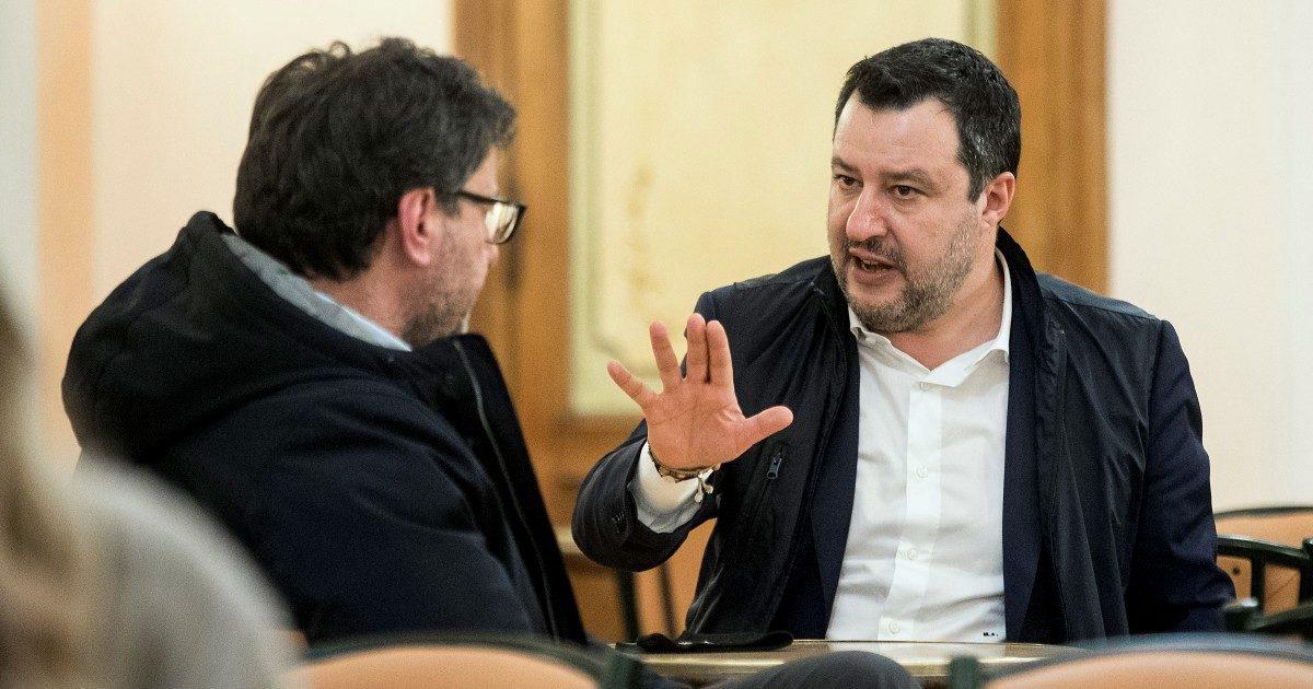 Salvini ha fame di poltrone e dice sì all'ammucchiata