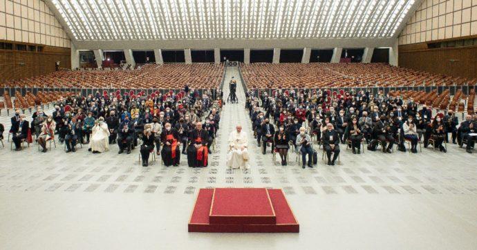 Il Papa nomina Suor Nathalie Becquart sottosegretaria al Sinodo dei vescovi: per la prima volta una donna voterà all'assemblea