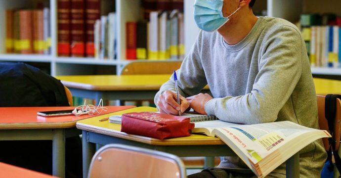 Mascherine e distanziamento alla ripresa dell'anno scolastico, il parere del Cts al ministero dell'Istruzione